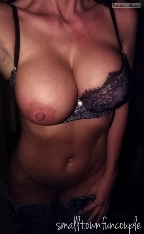 No Panties Pics Boobs Flash Pics