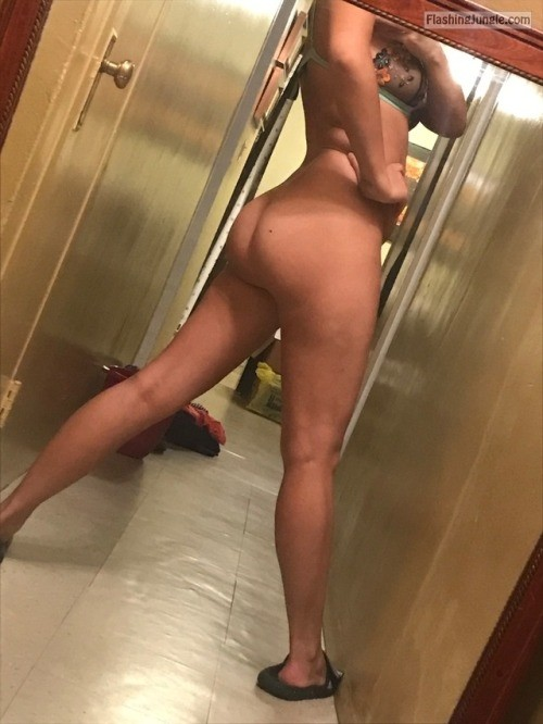 No Panties Pics Ass Flash Pics