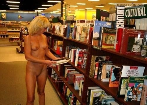Public Nudity Pics Mature Flashing Pics