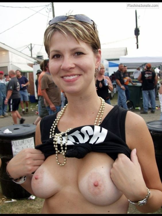 Public Flashing Pics Hotwife Pics Boobs Flash Pics