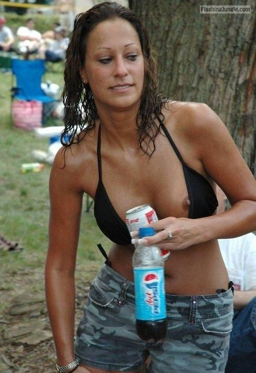 Public Flashing Pics MILF Flashing Pics Boobs Flash Pics