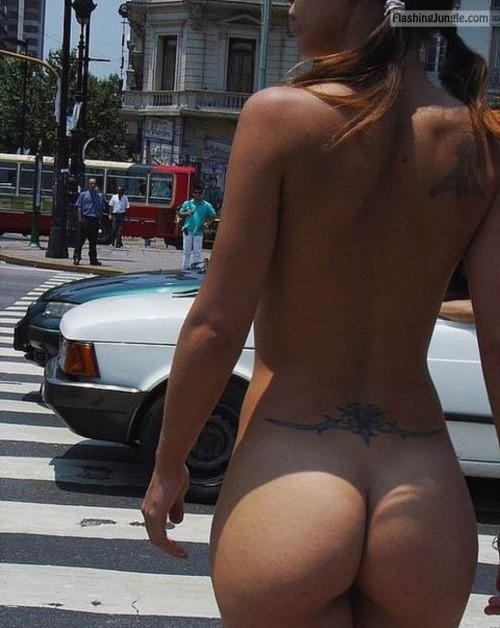 lindalanza:I WISH I COULD DO THIS SOMEDAY Follow me for more... public nudity
