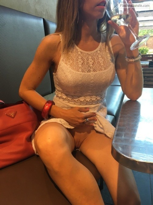 Photo upskirt pussy flash public flashing no panties howife