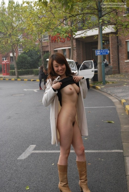Public Nudity Pics Public Flashing Pics Boobs Flash Pics
