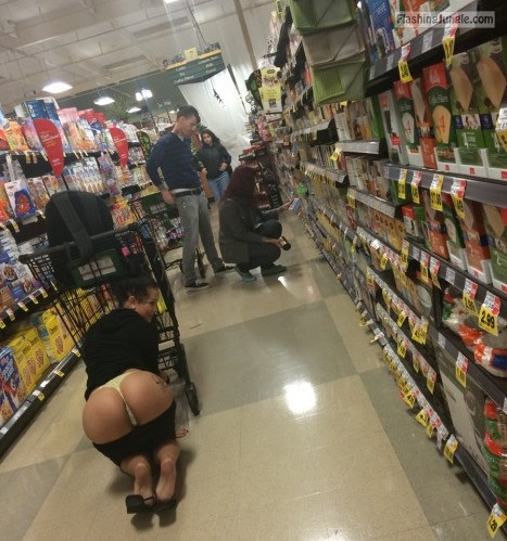 Photo public flashing howife flashing store ass flash