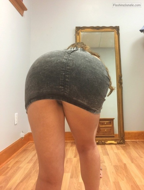 acabarprincess: I love denim miniskirts ??? ask me about... upskirt no panties milf pics howife