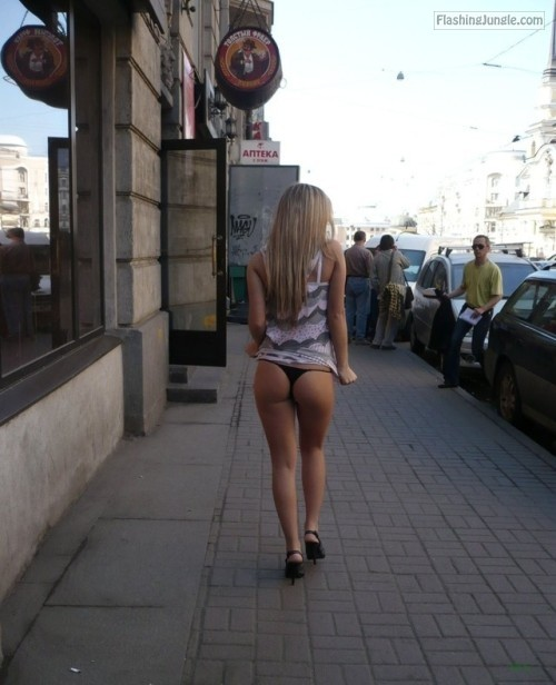 Teen Flashing Pics Public Flashing Pics Ass Flash Pics