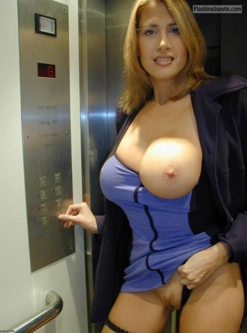 Busty sexy blonde elevator pussy flash no panties milf pics howife boobs flash