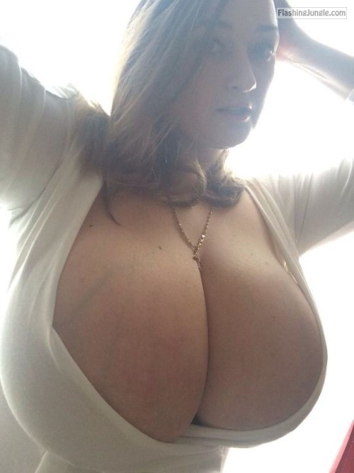Monster cleavage milf pics boobs flash