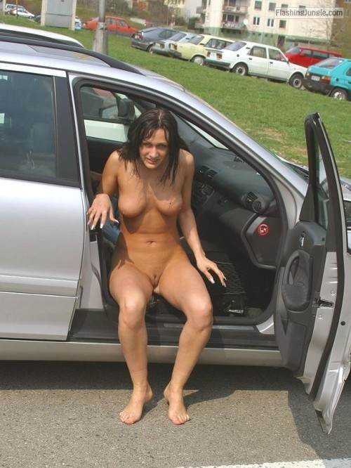 <strong>Caught naked</strong> on passenger seat