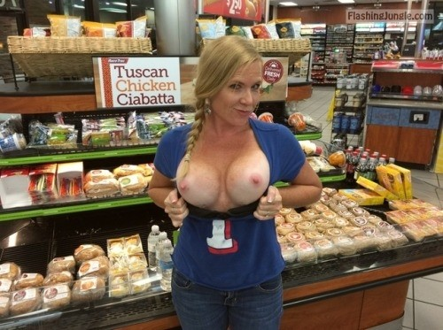 Big titties of walmart what