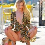Innocent blonde Riley pantyless squat