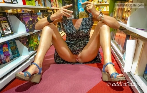 Bookstore adventure without panties upskirt teen pussy flash public flashing no panties flashing store