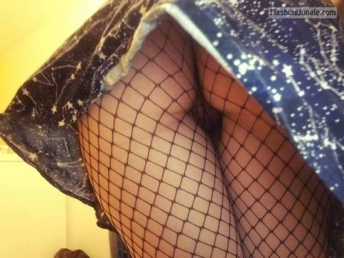 Girls day out: fishnets mini skirt upskirt no panties ass flash