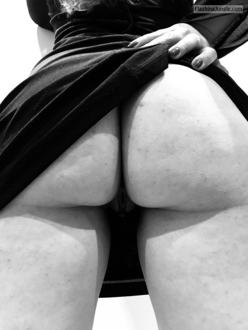 letussharewithyou: A mix of cum, color and black and white ?... no panties