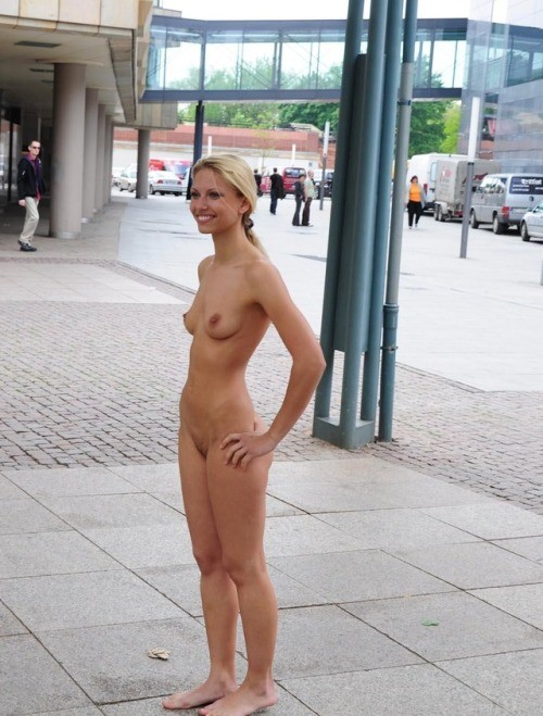 public flashing babes: Saw her standing there... public flashing