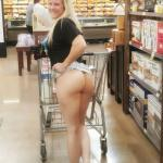 nikikittenniki:She loves to tease me with her nudity in public…