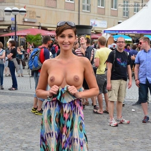 sexypieces:Free spirit public nudity