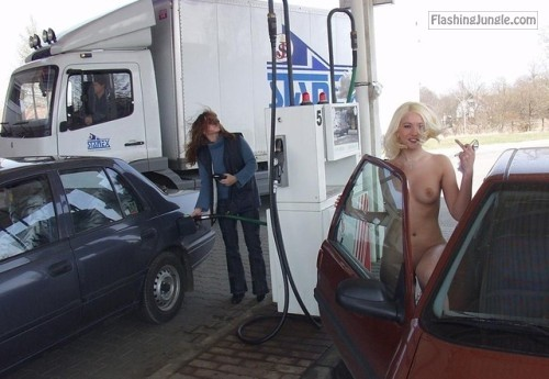 talesofnudity2:Barney made a deal with his wife that he'd pay... public flashing