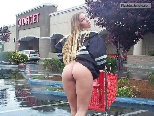 shoppingbabes5:Woman flashes ass in Target parking lot … public flashing