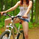 nounderwearisthebestunderwear:Pantyless bike ride in the woods