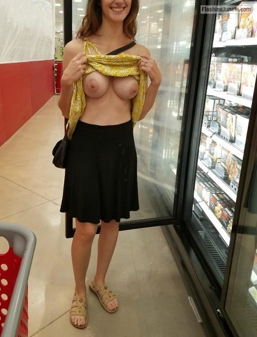 gonewild flashing:Doing some grocery shopping public flashing