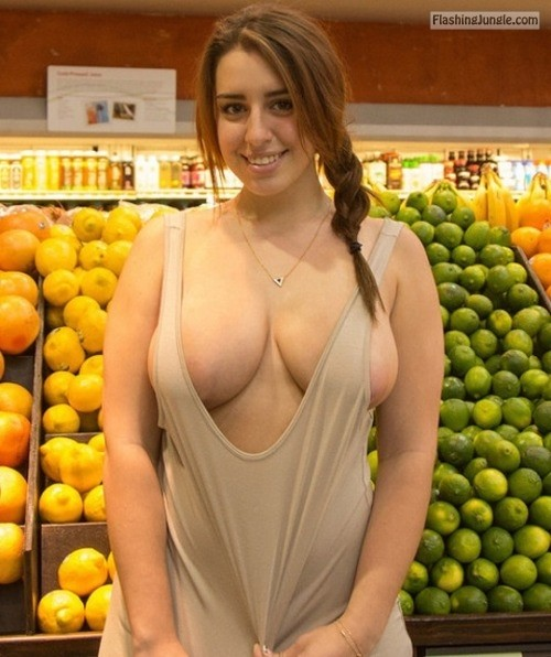 breastdelivery:Somehow, the lemons and limes make her sexier. I... public flashing