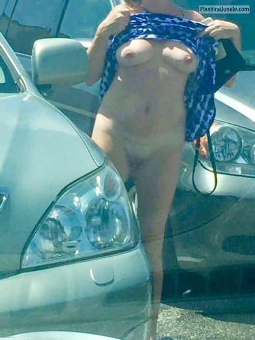 lalamelange: Random parking lot flash no panties