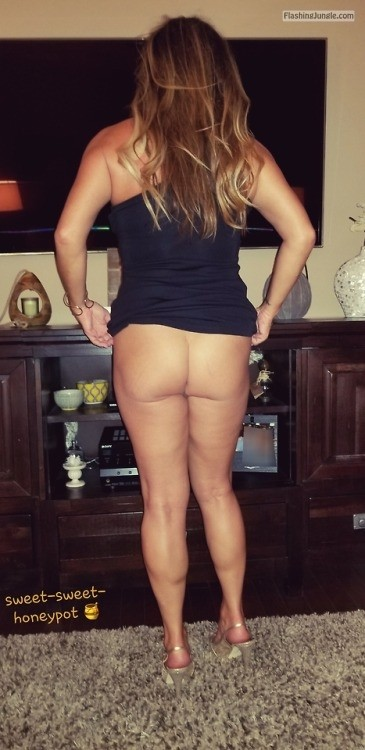 No Panties Pics - sweet-sweet-honeypot: More pics from last night before we went…