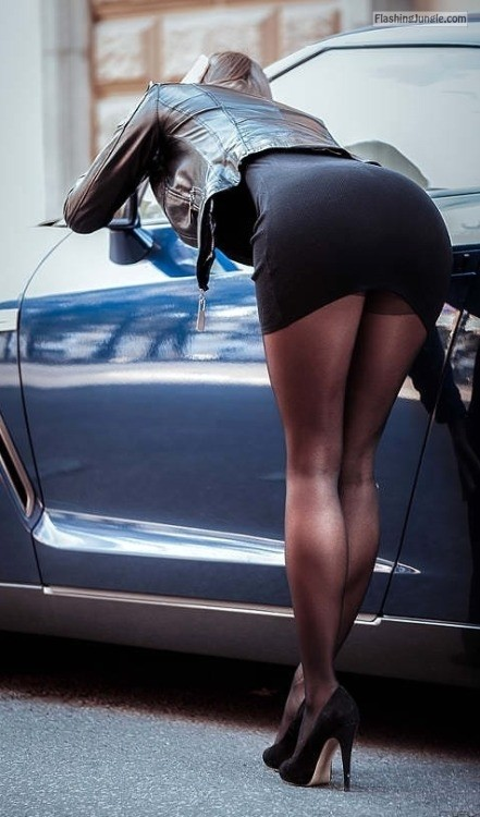 pipesrus:Rear view mirror public flashing