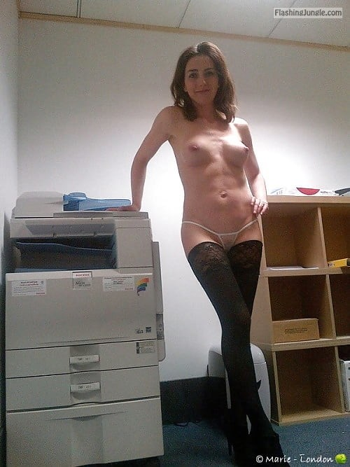 officehankypanky: When the copy machine breaks and you don't... public flashing