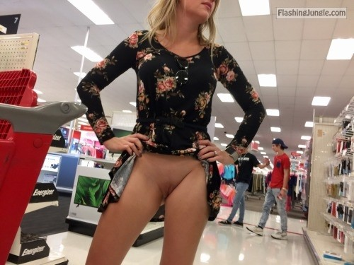willshareher: Gotta love when they watch… I also think she... public sex