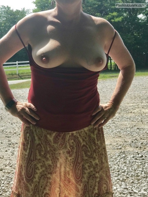 If you enjoy thick meaty lips, check out this sexy MILFs Tumblr… public flashing