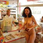 streakers:Naked at a store