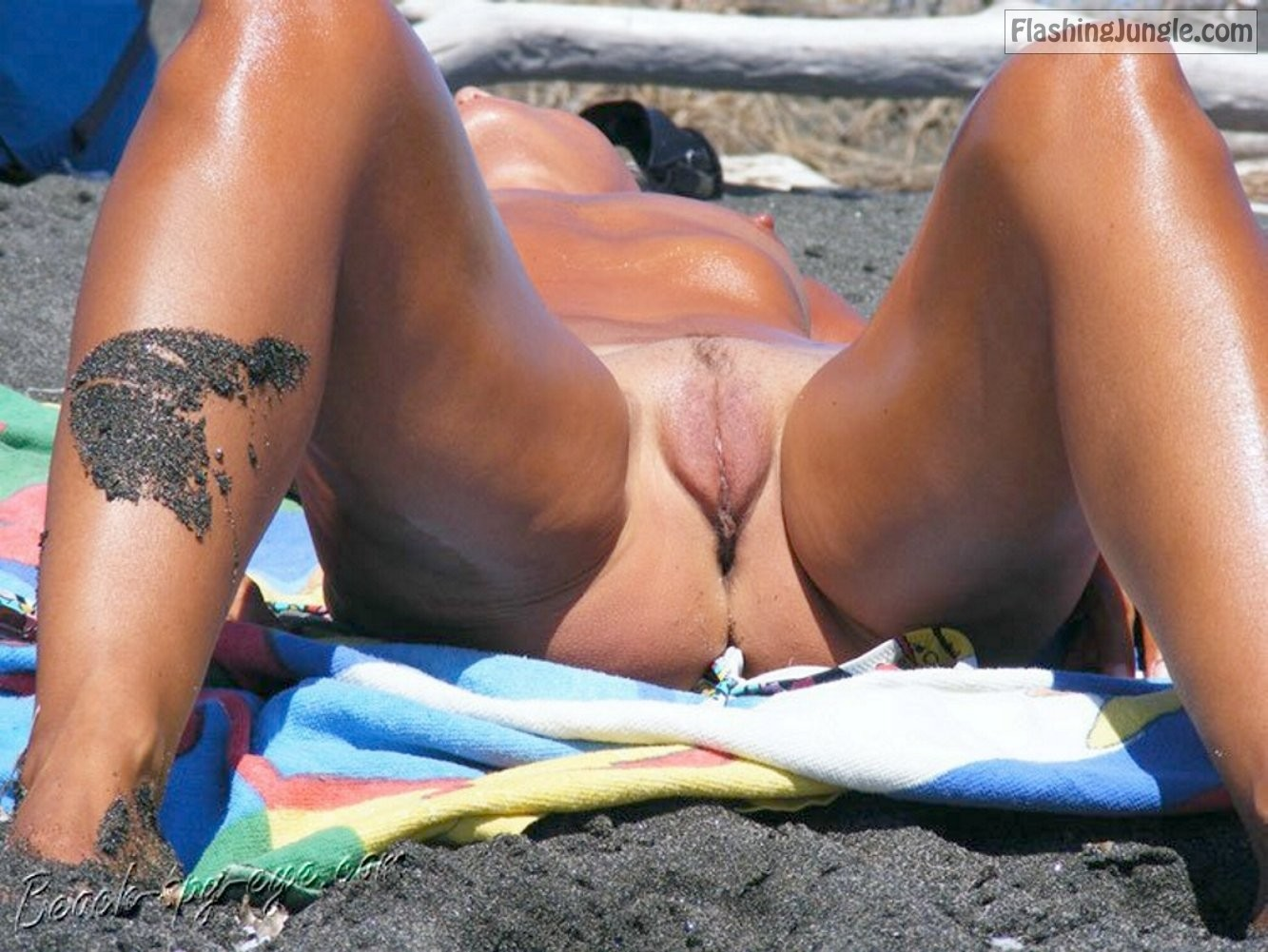 Porno hot pusy bitch naked on beach girls sex pics