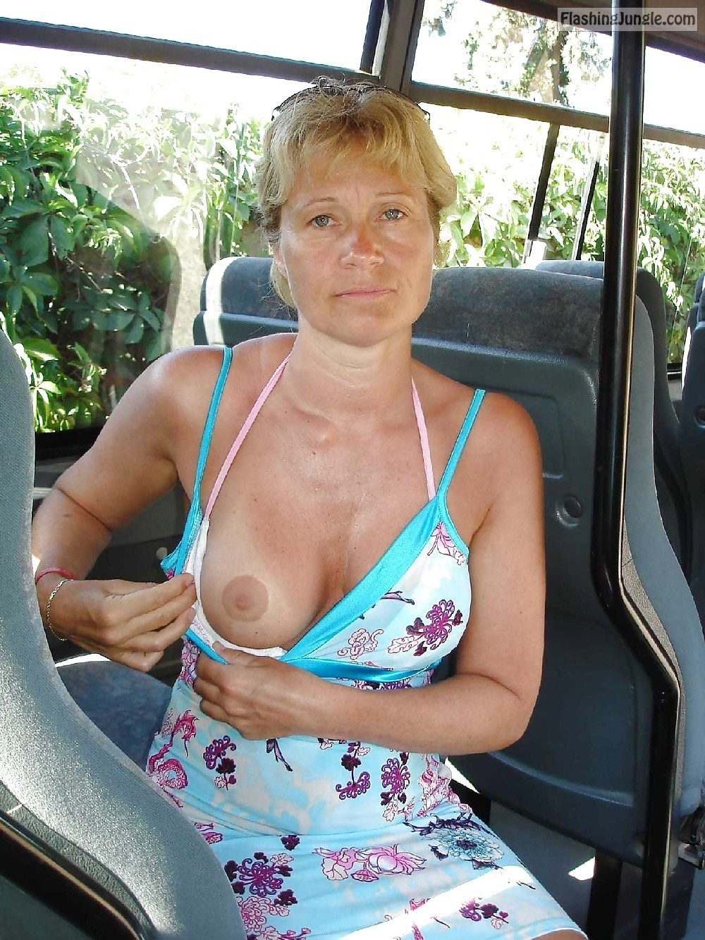 Public Flashing Pics Mature Flashing Pics Boobs Flash Pics