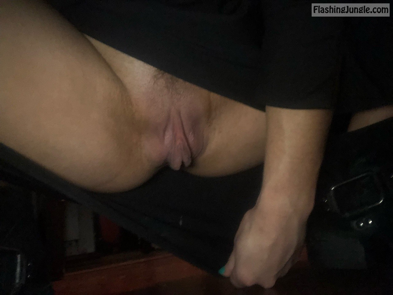 Big clit flashing at work upskirt pussy flash no panties