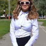 Blouse gap blonde schoolgirl with sunglasses
