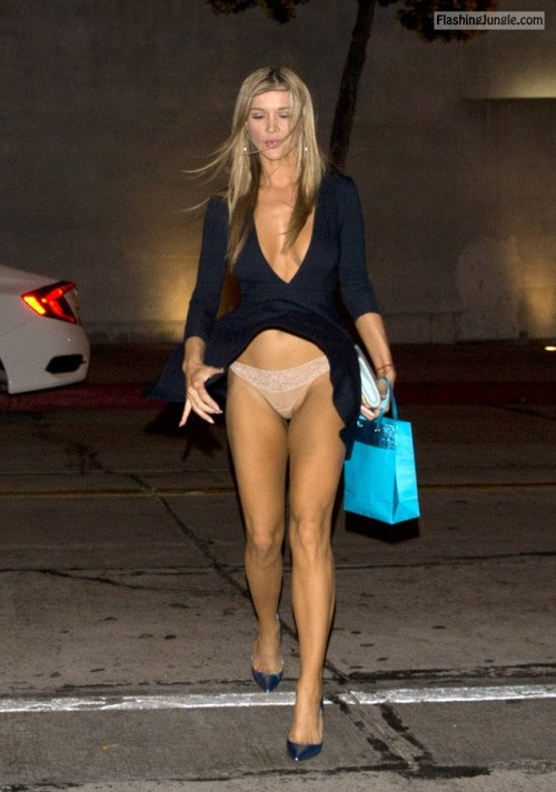 myfriendwind: Joanna Krupa public flashing