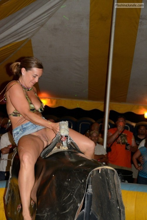 exhiblover: Someone told me that the best way to ride a bull is... public flashing