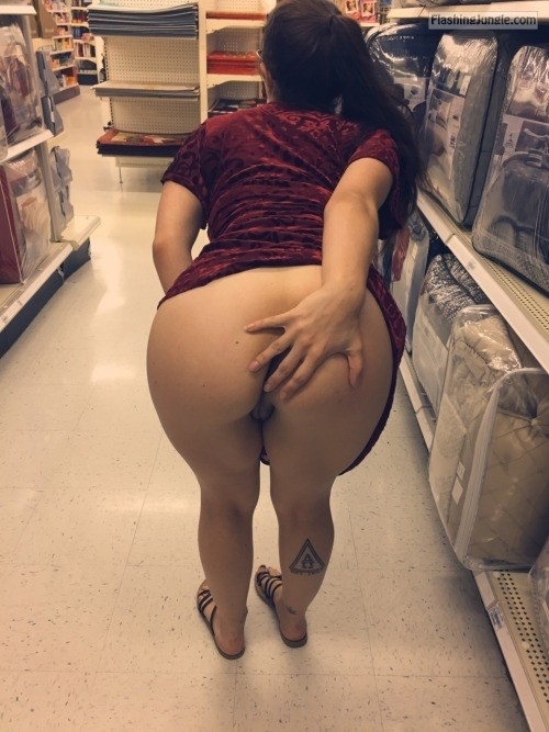 Touching her asshole in public store no panties milf pics flashing store ass flash