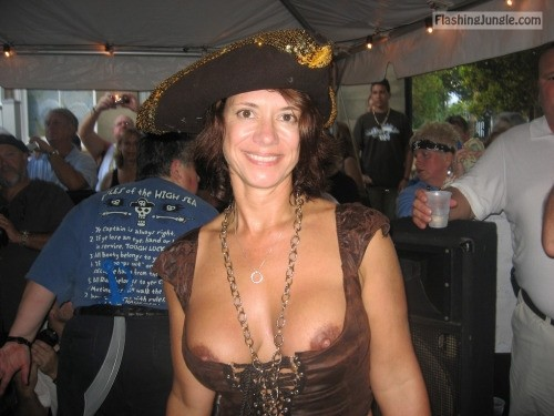 Middle age cougar with hat intentional brown nipples slip public flashing milf pics boobs flash
