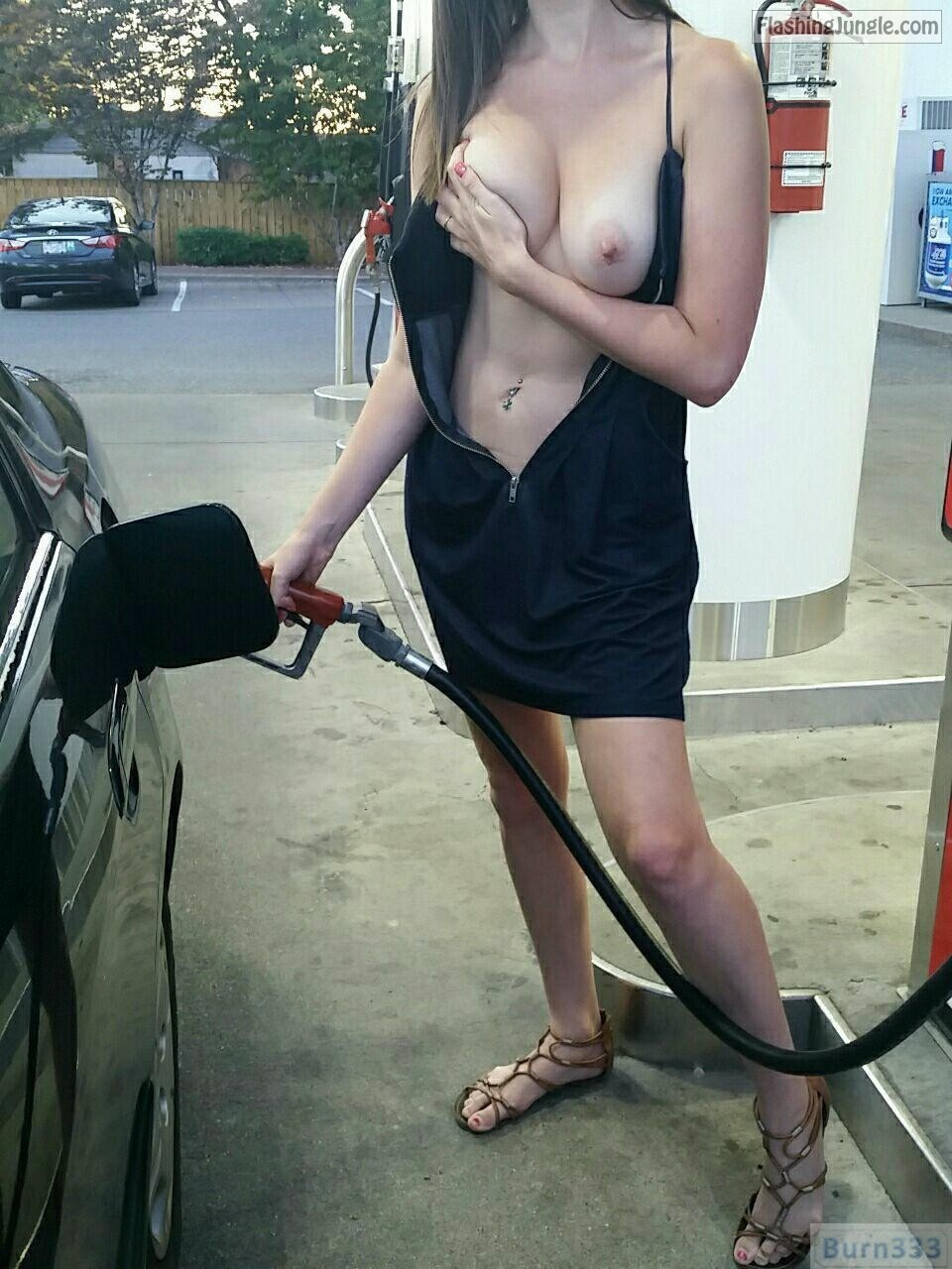 Older Woman Flashing Pussy Tits Gas Station Nude Girls Pictures
