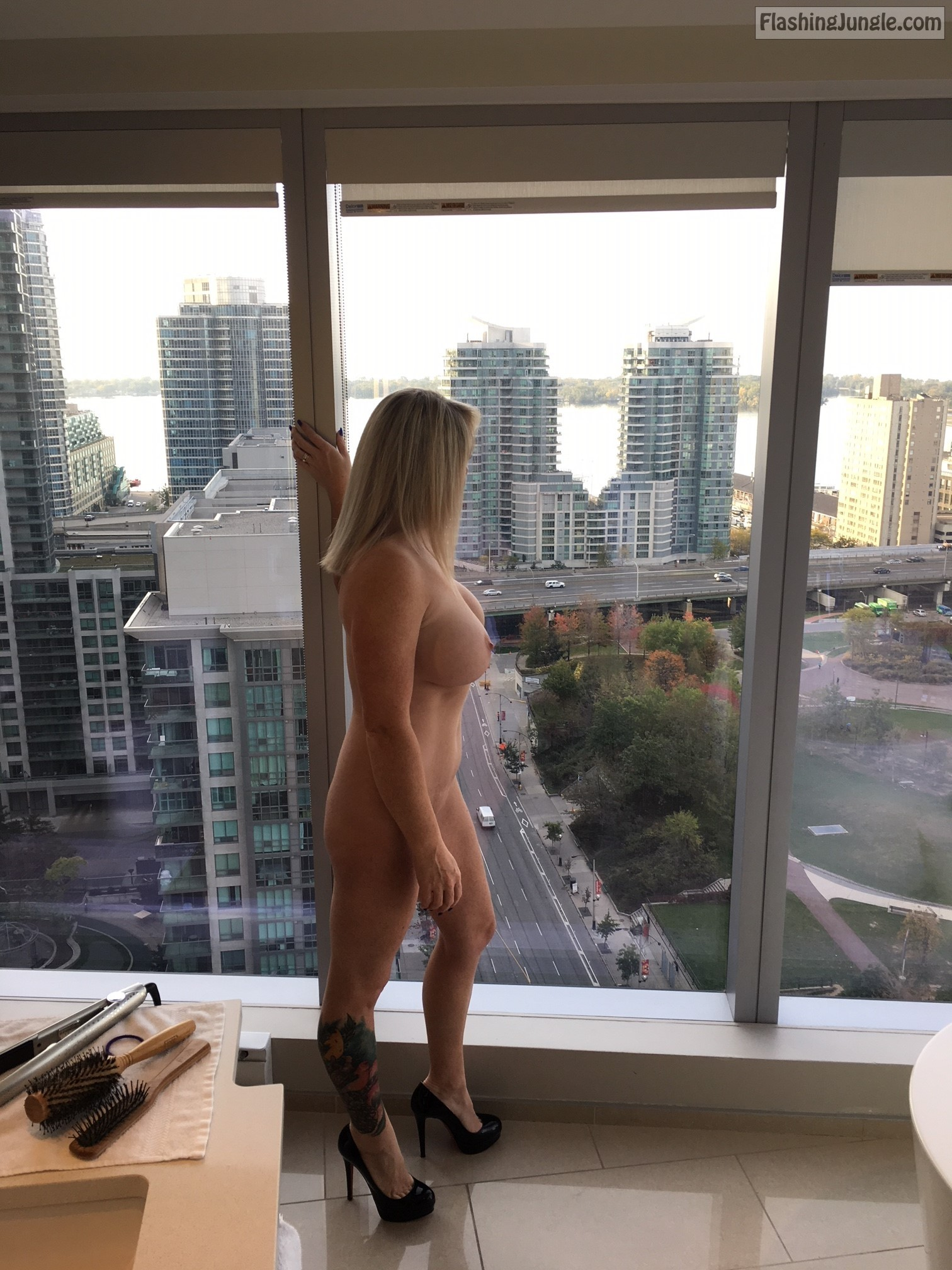 Hotwife naked on window @geemanandwoman regards from Toronto public nudity milf pics howife