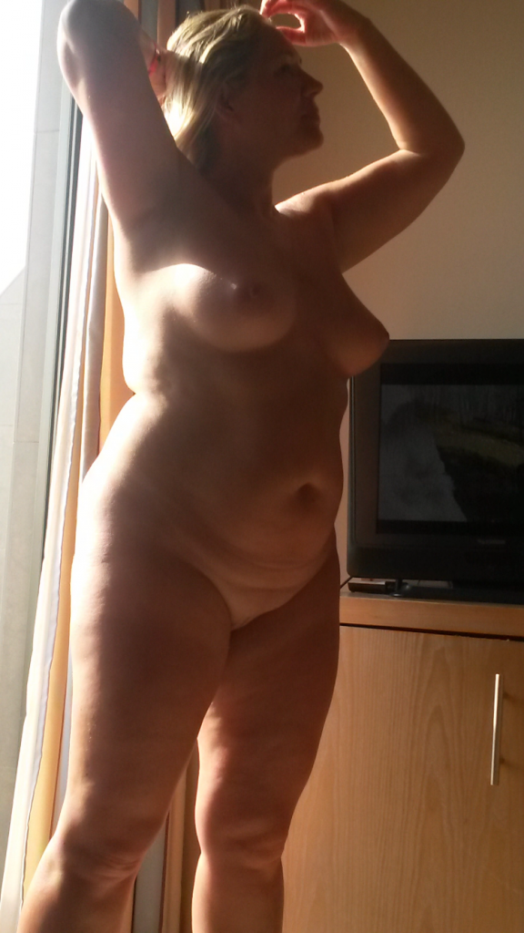Chubby blonde hotwife sharing nude pics nude beach milf pics howife boobs flash bitch