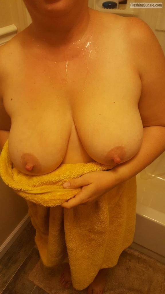 Chubby amateur housewife big natural tits real nudity pokies pics no panties milf pics howife boobs flash ass flash