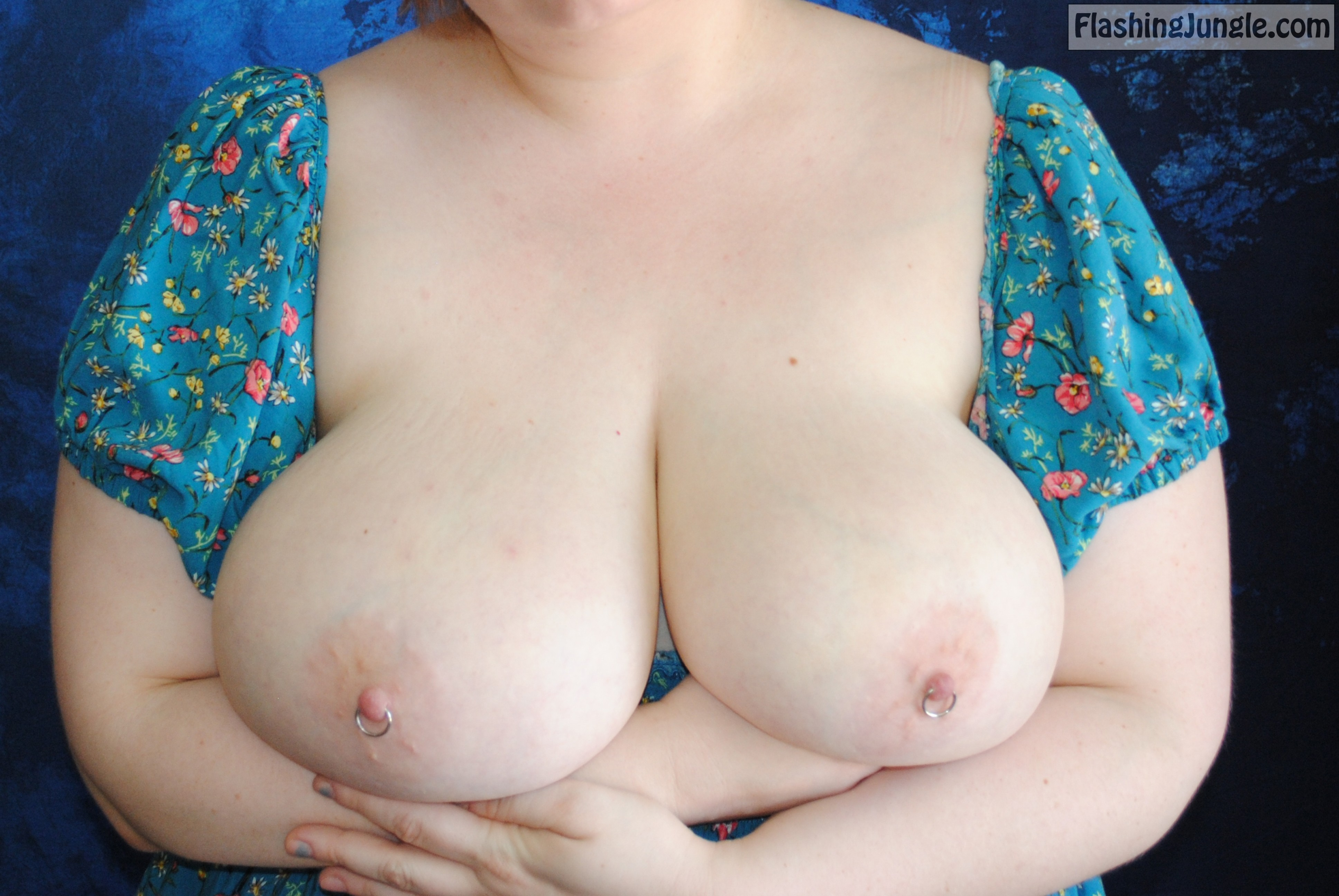 Real Nudity MILF Flashing Pics Boobs Flash Pics