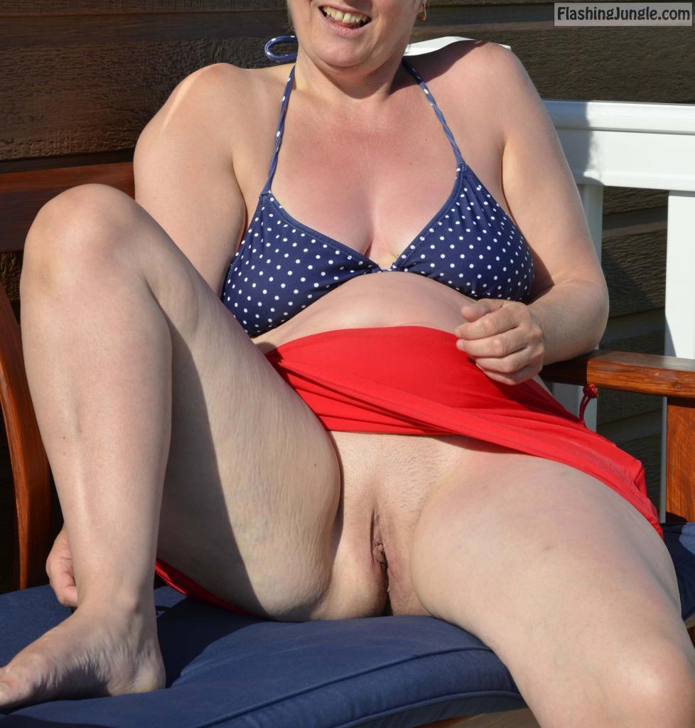 Milf is tanning her bald cunt on balcony real nudity pussy flash public flashing no panties milf pics howife