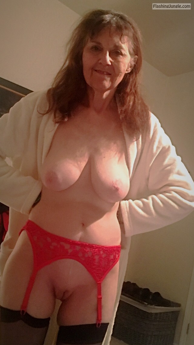 Real Nudity Mature Flashing Pics