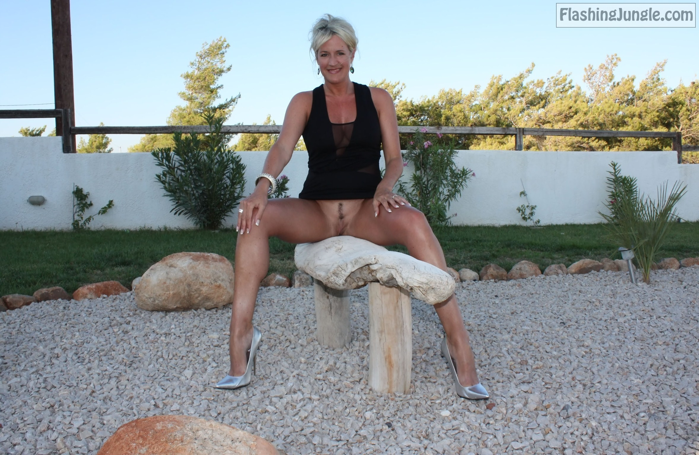 Pantyless MILF Lisa Flashing Outdoors